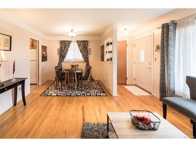 Family Room - 4371 Myron Avenue, Wayne 48184