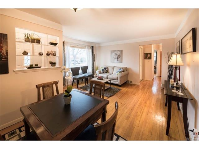 Family Room 2 - 4371 Myron Avenue, Wayne 48184
