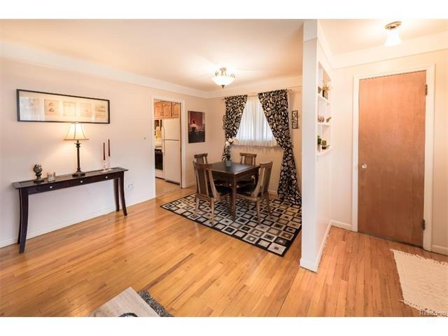 Family Room 3 - 4371 Myron Avenue, Wayne 48184
