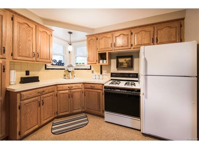 Kitchen - 4371 Myron Avenue, Wayne 48184