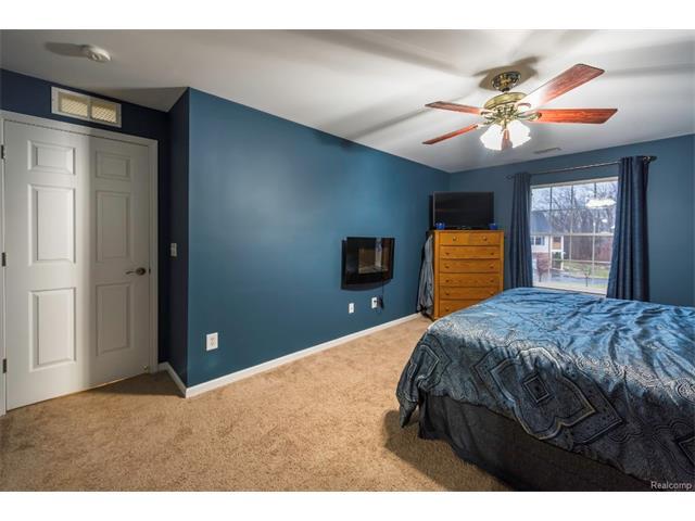 3253 Kneeland Circle, Howell Twp 48843 - Master Bedroom