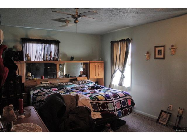 6305 OAKVILLE WALTZ Road, Exeter Twp 48117 - Bedroom