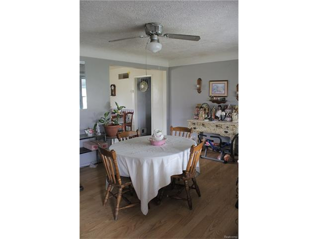 6305 OAKVILLE WALTZ Road, Exeter Twp 48117 - Dining Room