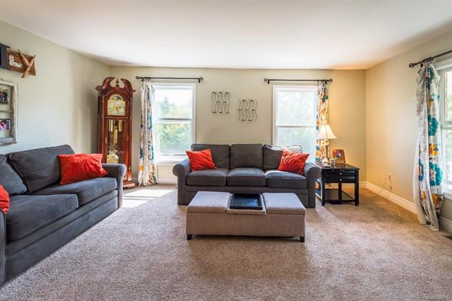Family Room - 62800 HICKORY HILL Court, Lyon Twp 48178