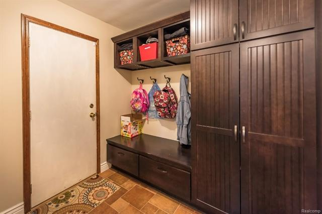 Entryway - 62800 HICKORY HILL Court, Lyon Twp 48178