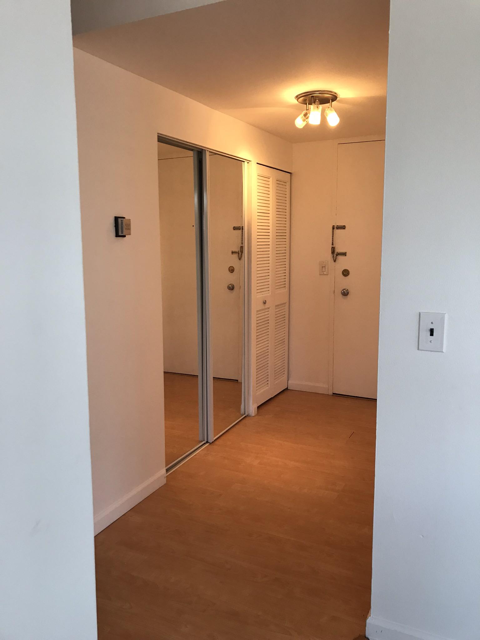 Entry way - Hinton Real Estate Group