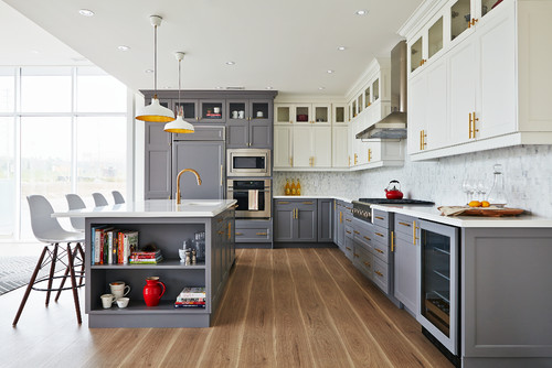 Hinton Real Estate Group Design - Two Tone Kitchen.jpg