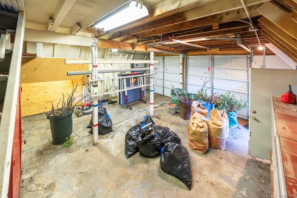 Garage 2.jpeg