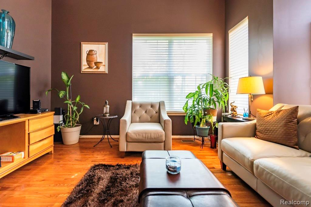 Family Room 5.jpeg