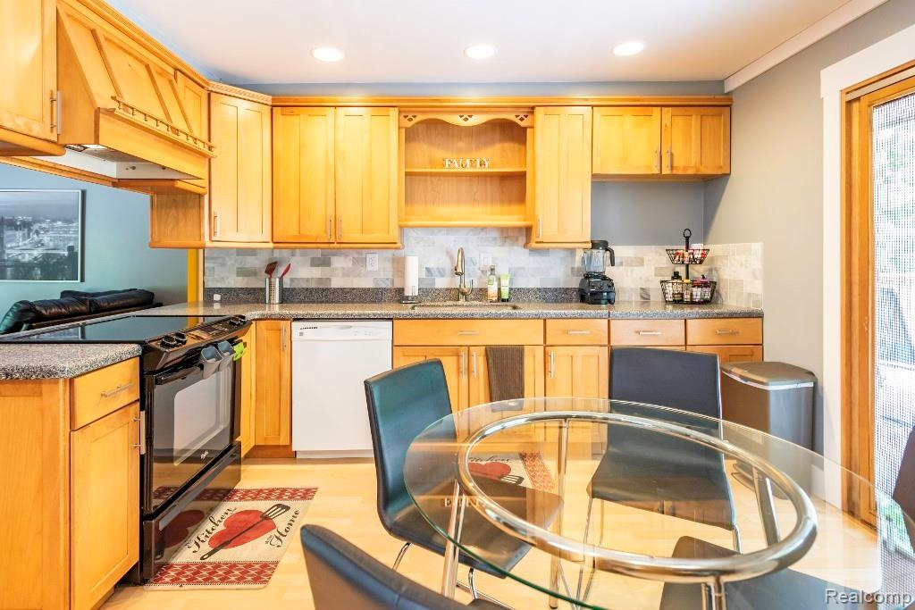 Condo in Ypsi For Sale - Hinton Real Estate Group