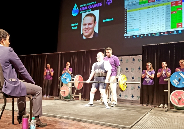 David Paul of Indiana fights and succeeds in lifting 231 pounds in his third and final deadlift attempt.