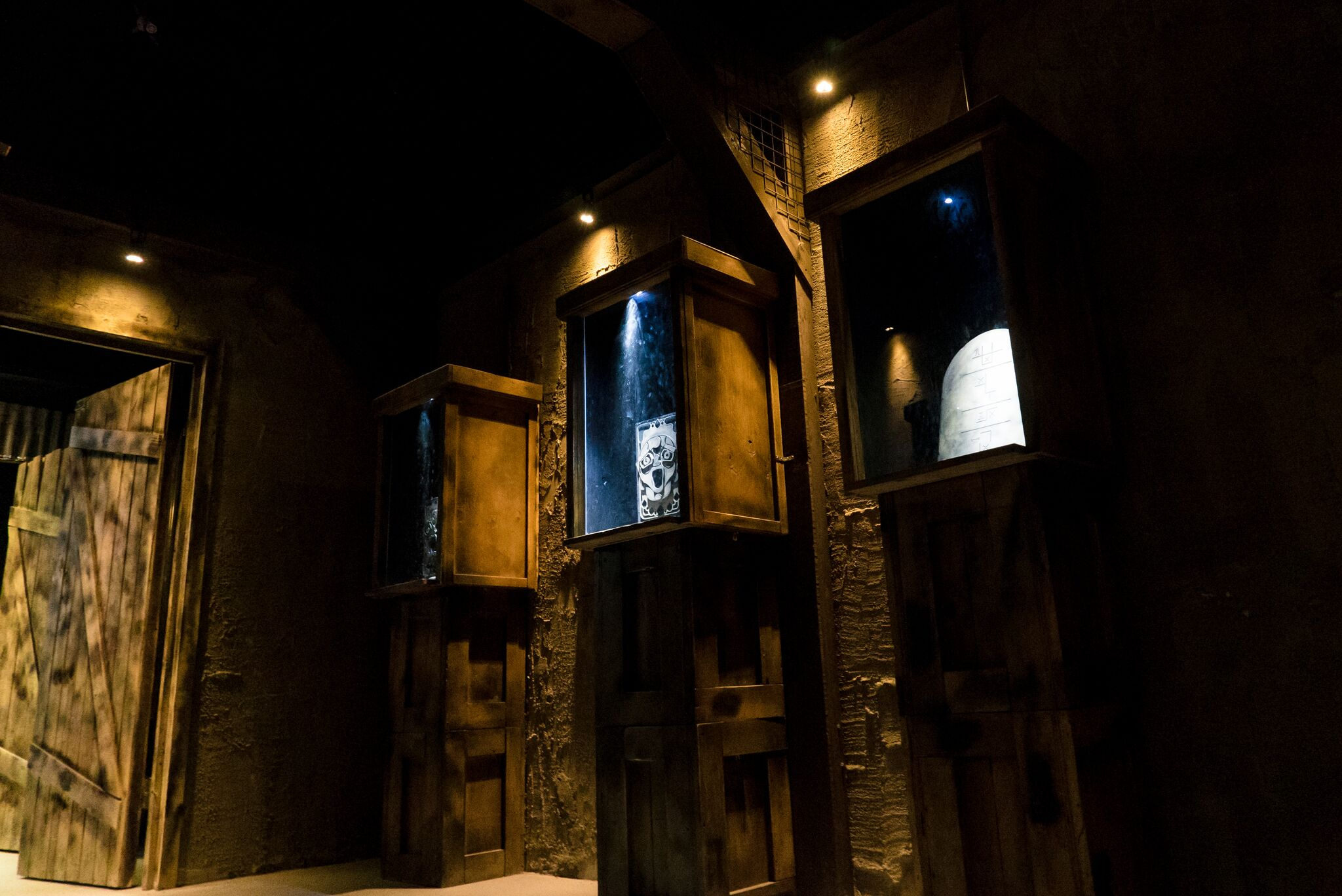 Immersive Rooms - We do our best to push the limits of what an escape room can be by utilizing immersive set design, theatrical special effects and professionally engineered tech - all of which are built and maintained by our on-site team to ensure the best possible experience