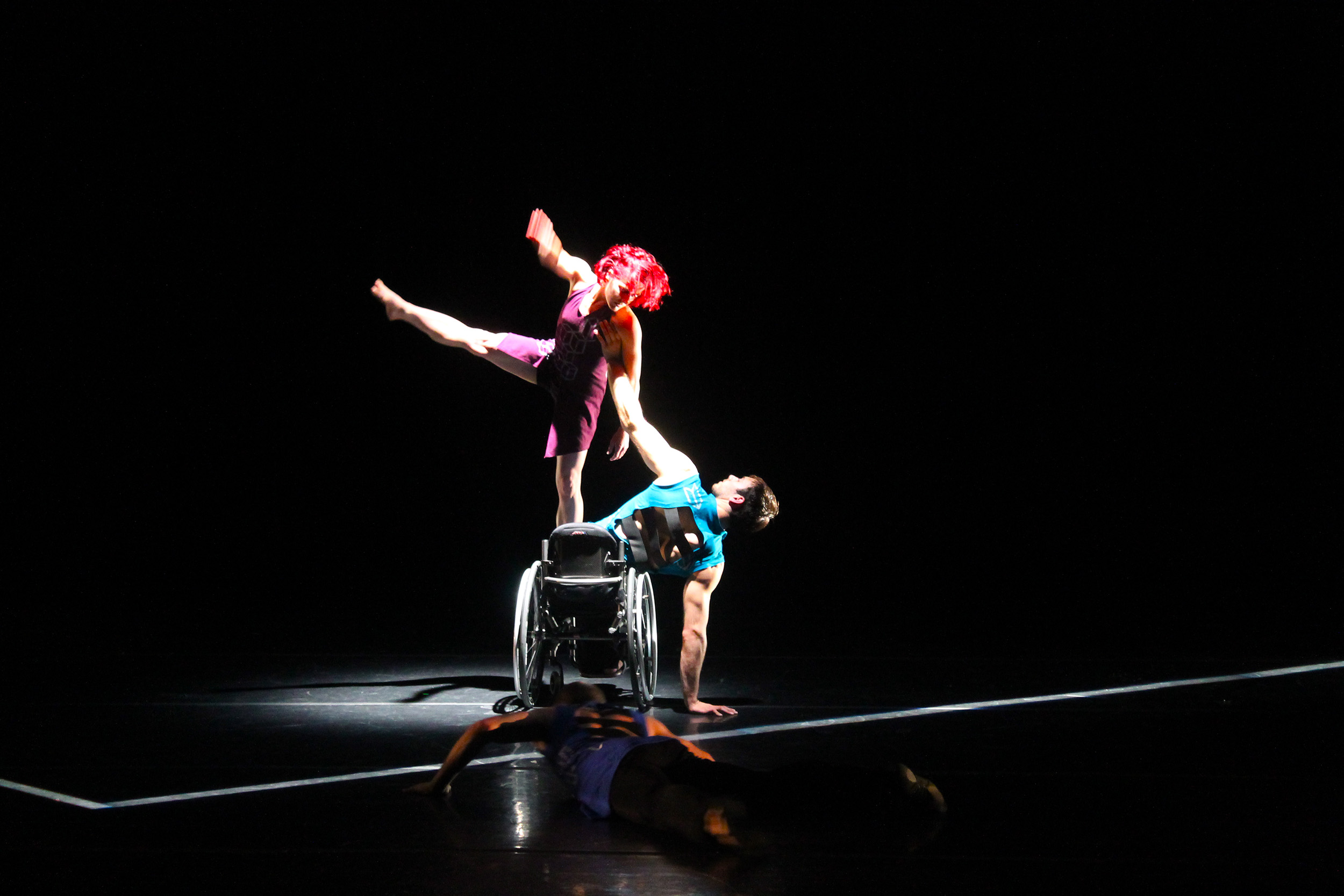 divide-axis-dance-co-allen-willner-lighting-3.jpg