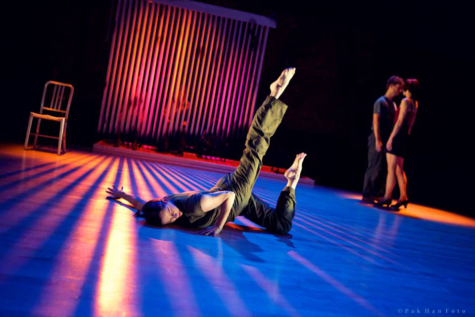 private-life-allen-willner-lighting-on-stage.jpg