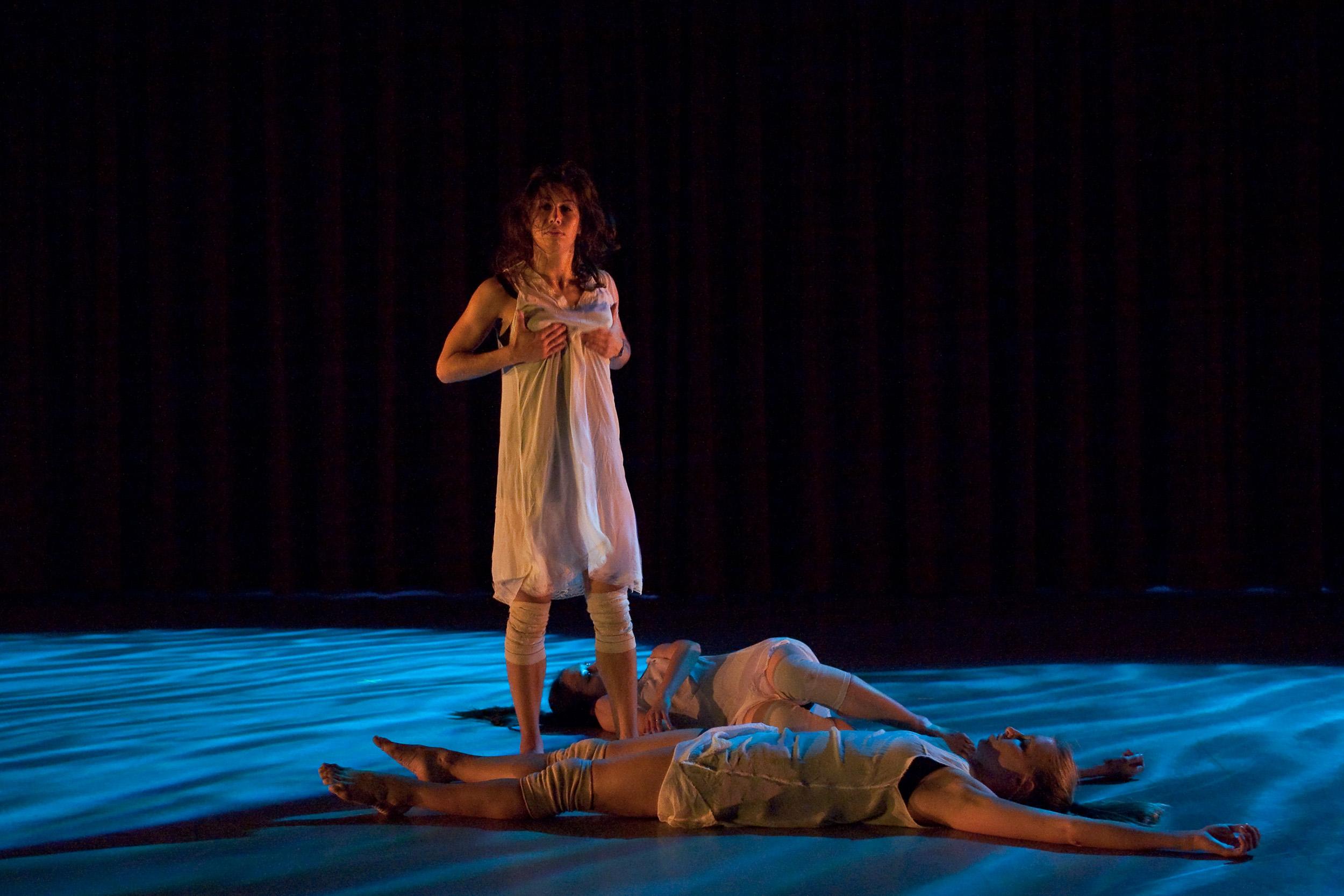pluto-anne-bleuthenthal-allen-willner-lighting-dancers.jpg