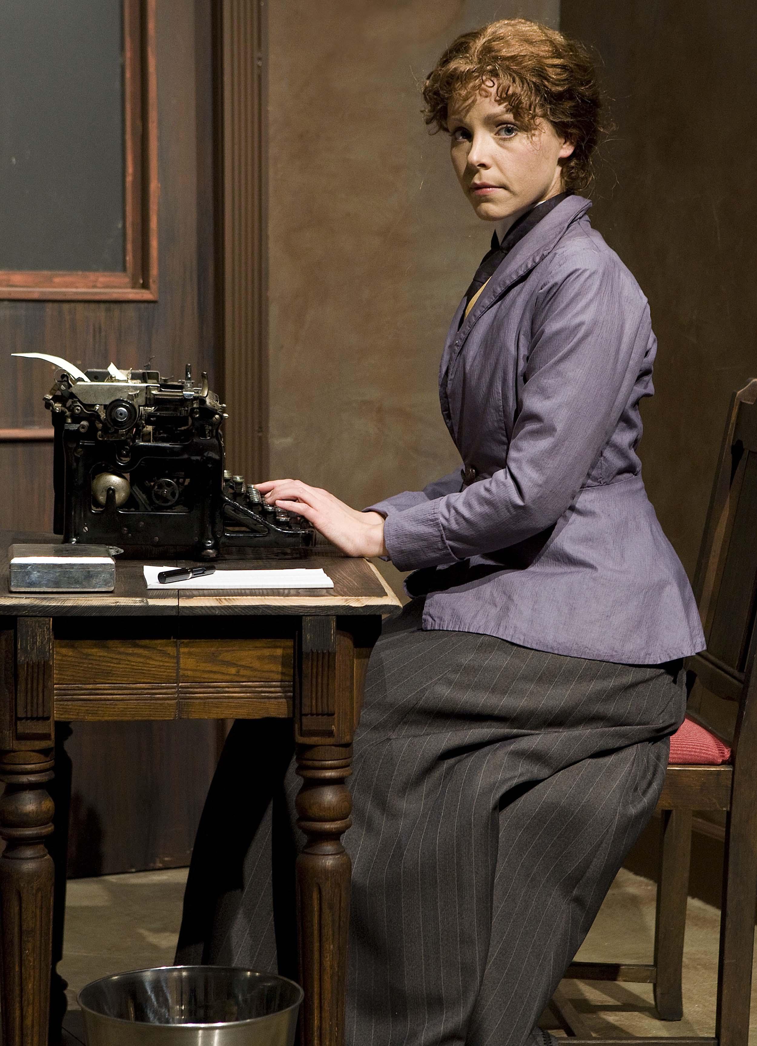 mrs-warrens-profession-susannah-martin-allen-willner-lighting-typewriter.jpg
