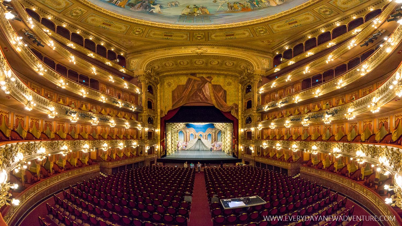 The stunningly gorgeous opera house, Teatro Colon.