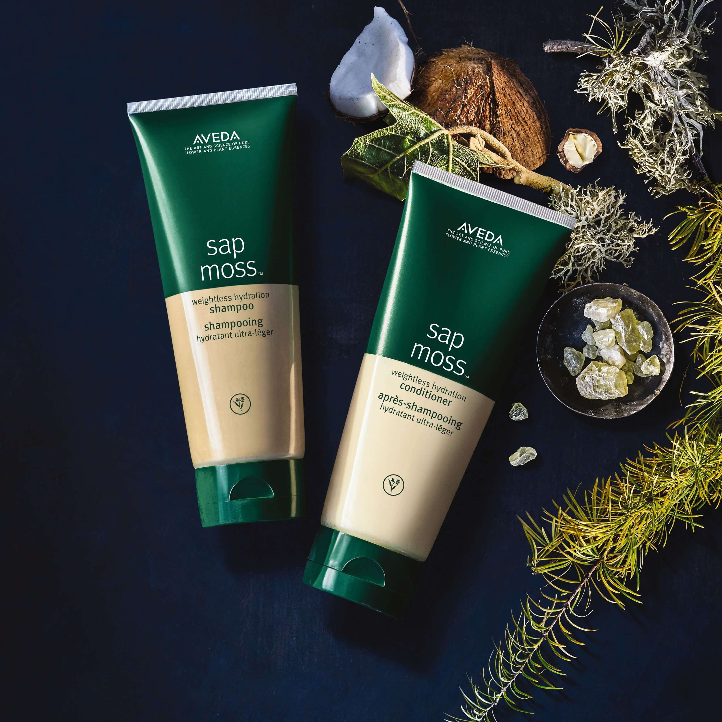 SAP MOSS SHAMPOO & CONDITIONER    -  Weightlessly hydrates the hair.   -  Tames frizz.   -  Safe for color treated hair.   -  Infuses hair with earthy, 100% naturally derived aroma, featuring jasmine, cyprus, and clary sage oil.