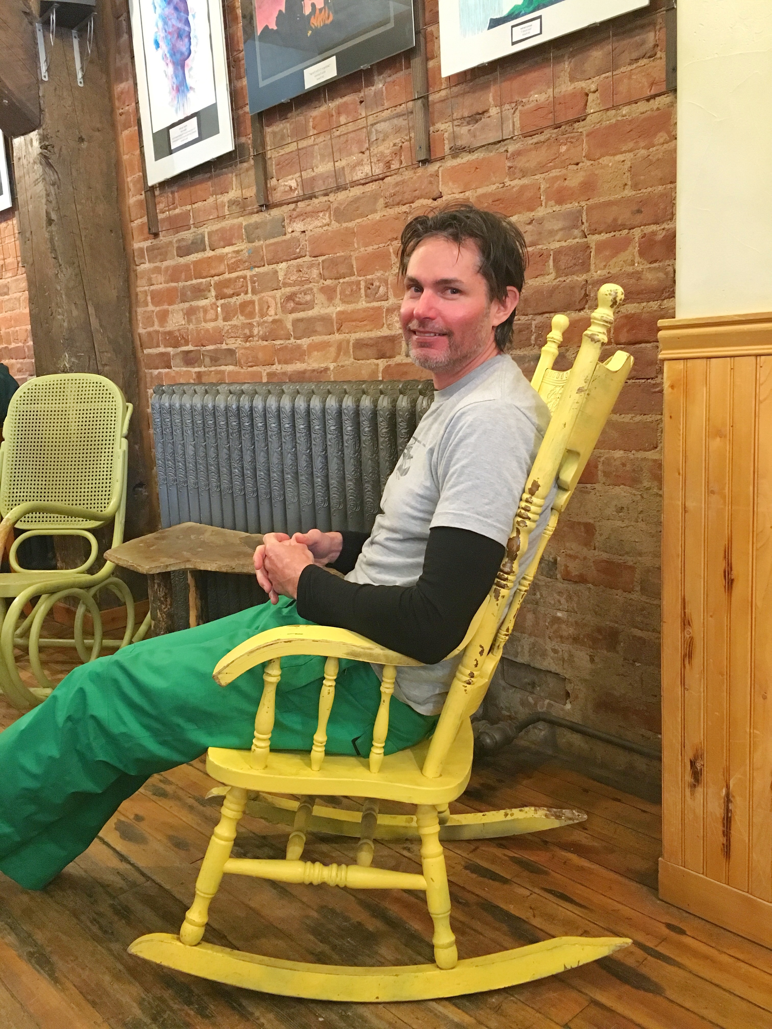 city-on-a-hill-coffee-rocking-chair