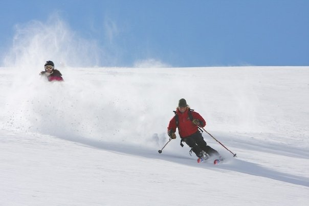 rachael-oakes-snow-skiing-powder