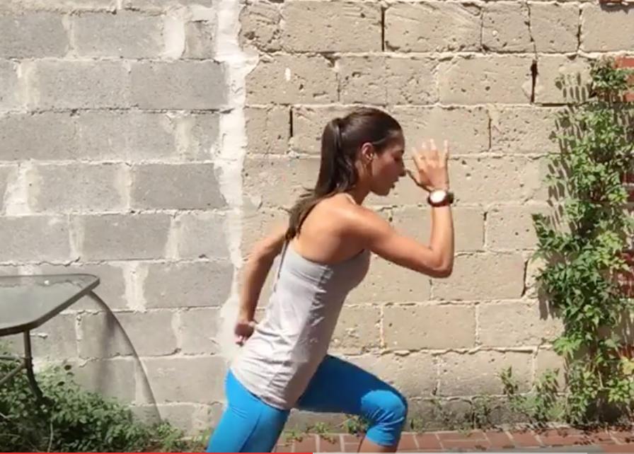 10 Minute Total-Body SWEAT Workout-lunge kick