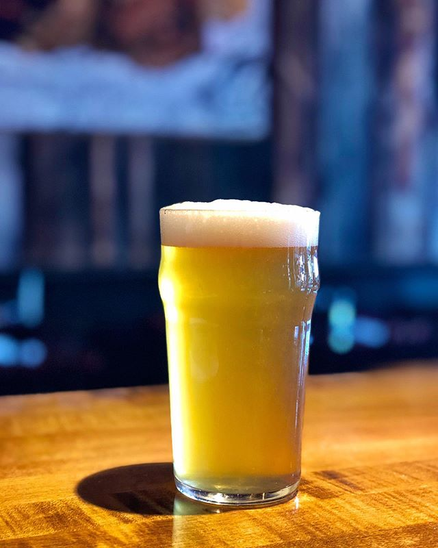 Introducing our newest creation! This is our West Coast Session IPA!! Light and crisp with citrus notes 🙏🏼 2 for 1 Instagram special on entrees all night and $2 off all alcoholic purchases 4:30-6pm!