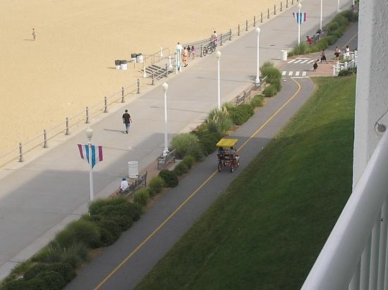 virginia-beach-boardwalk (1).jpg