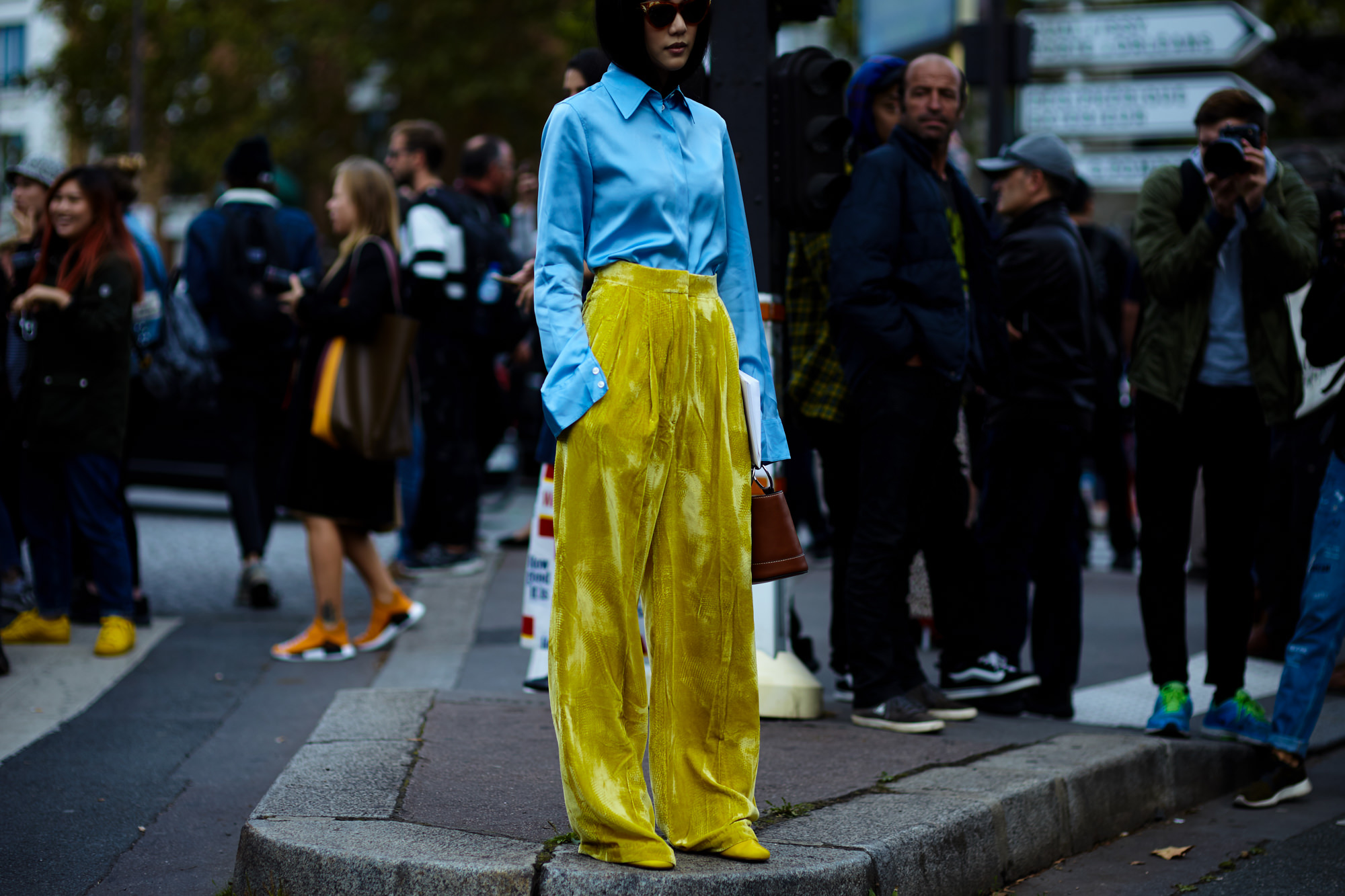 yellow velvet Gio-George-Angelis-Yoyo-Cao-Paris-Fashion-Week-Spring-Summer-2017-2600.jpg