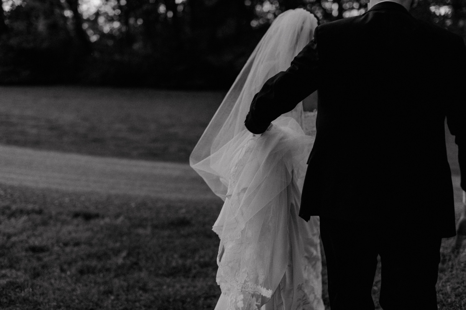 75_JacobandAliWeddingMattLaneFarmFreckledFoxPhotography-946.jpg