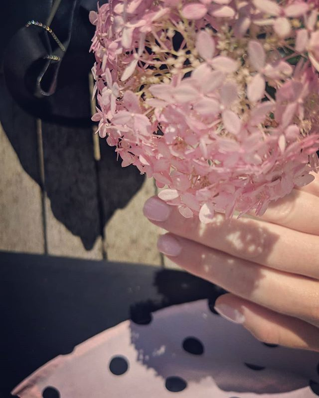shirt flower nails. all matched. #pink