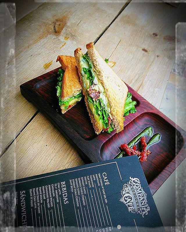 ¿Ya conoces nuestro menú? Nuestros sándwiches no tienen comparación.  Foto: @ferkdelf  #cmc #compañiamexicanadecafe #café #cafeteria #coffeshop #sandwich #menu #cdmx #ciudaddemexico #mexicocity #pornfood