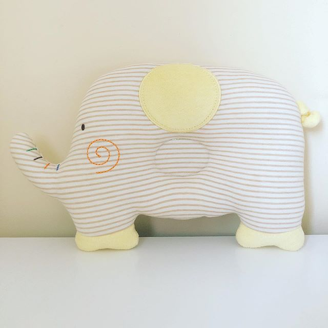 HELLO 👋🏻 Introducing our newest addition to the Organic Collection : Baby Elephant Head Shaping Pillow ⭐️ made with Laia Baby's signature super soft organic fabric with French Terry detail for an extra comfy touch! 😌 (the squiggly tail is one of my favorite accents!🌀) Now available on LAIABABY.com ❤️ direct link in bio.