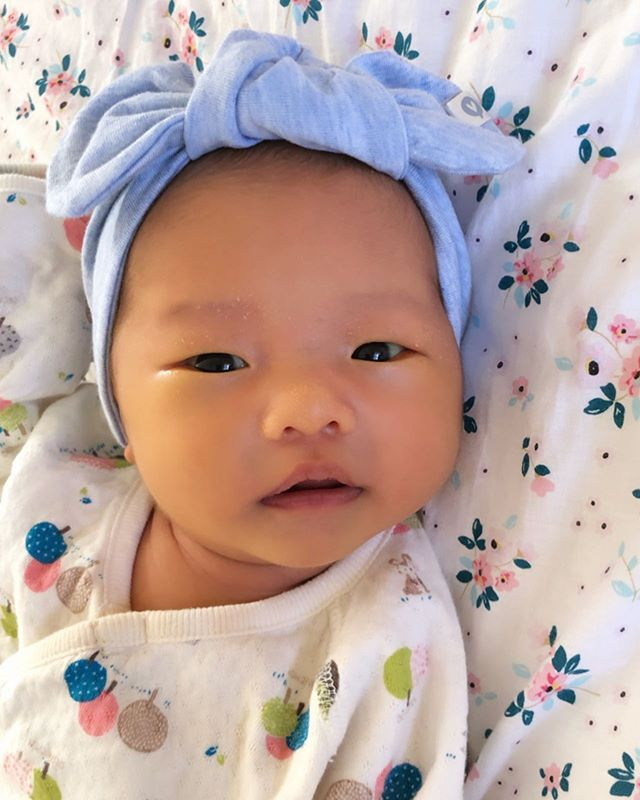 introducing baby Mila Yoo - our newest Laia Baby - in Heather Sky headband! 🎀 we've been going through sleepless nights the past 20 days but what a blessing she is to our family! ❤️ can't get enough of this cutie pie.. 🥰 #MilaHaewonYoo #momofthree #sisters #lovethem #newbeginning #accentyourlittleone 😘