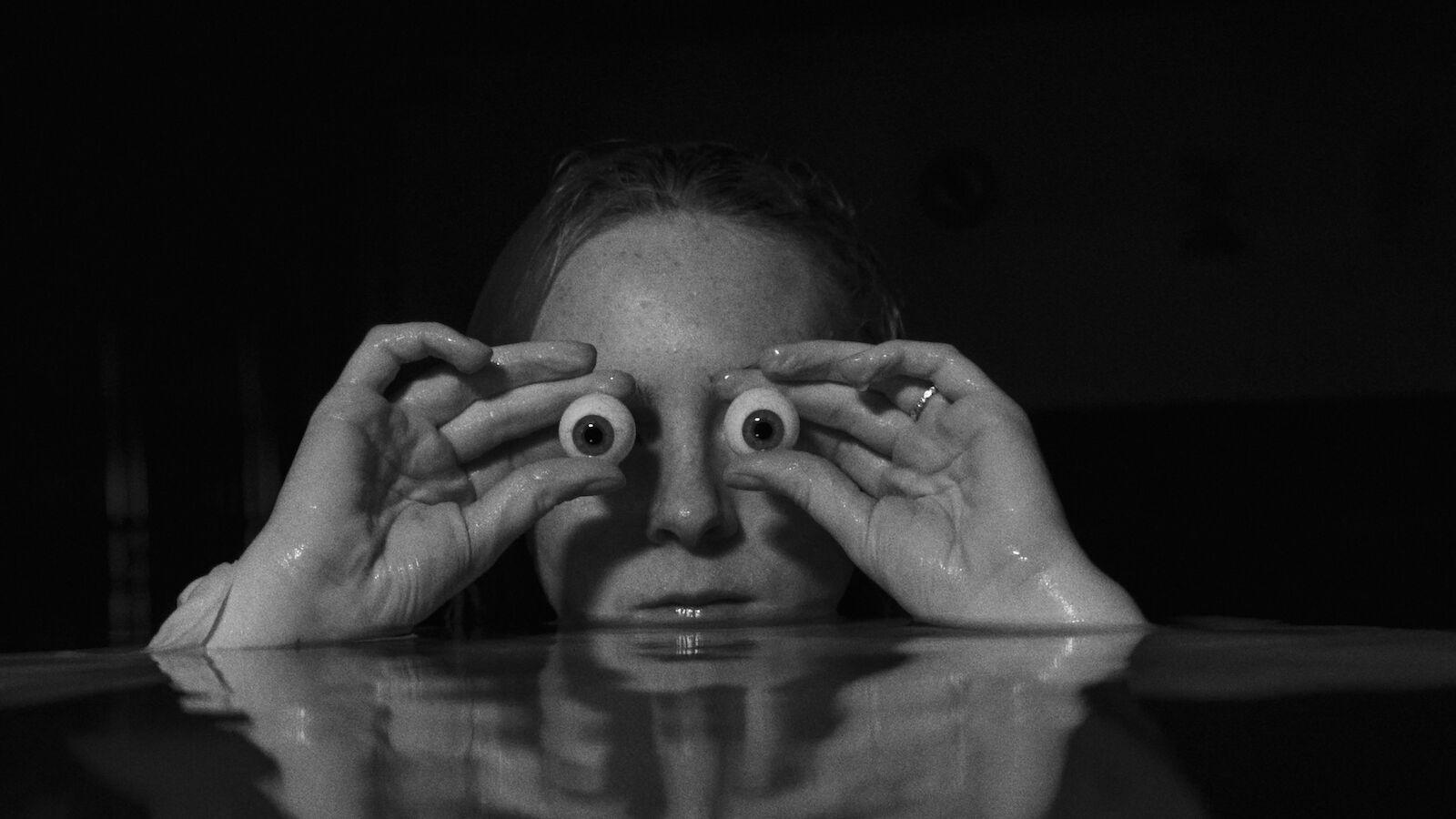 Clea van der Grijn, JUMP - Mermaid Selects - Pool 300dpi WEB.jpeg.jpg