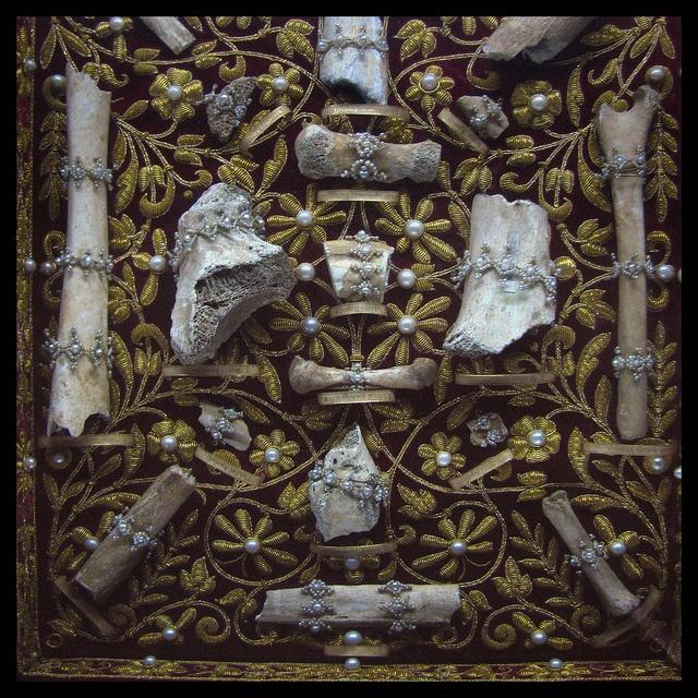malformalady :     Relics of a saint — delicately arranged bone fragments. Treasury, Residenz, Munich   Photo credit:  seriykotik1970