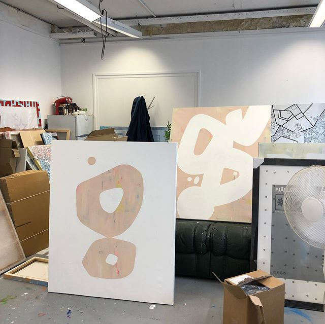 Raw and uncut update from today's work. Happy! . . . #art #artstudio #artgallery #painting #paintings #abstractart #abstract #wip #studiolife #interior #interiordesign #kunst #schilderij #interieur #interieurdesign #interieurstyling #shape #voorburg #denhaag #conceptors #creative #acrylic #paint