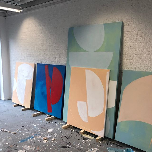 View from the studio. The direction is getting clear now. . . . #art #artist #artistsoninstagram #arte #kunst #kunstenaar #studio #atelier #wip #minimalart #abstract #abstractart #interieurinspiratie #interieur #interieurstyling #design #Voorburg #denhaag #gallery #galerie #painting #paintings #contiguity #wooninspiratie #conceptors