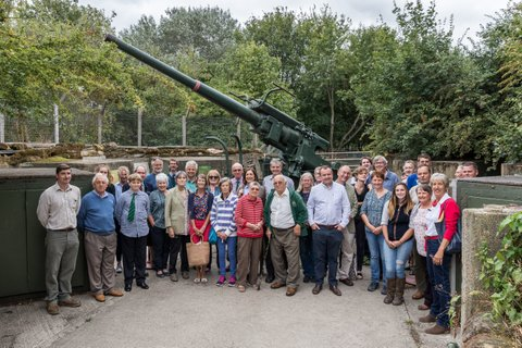 Group photo in front of Mudchute's WW2 anti-aircraft gun.