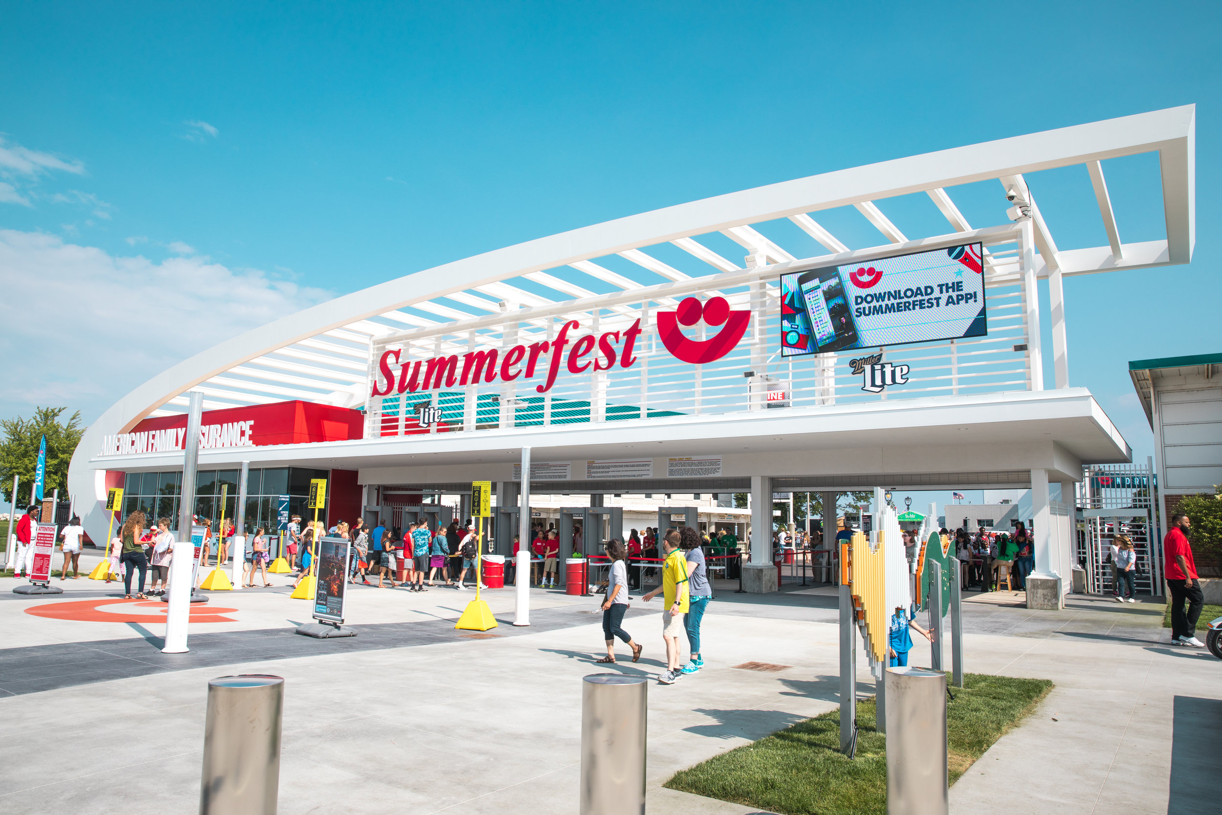 "Summerfest  — ""The World's Largest Music Festival"""
