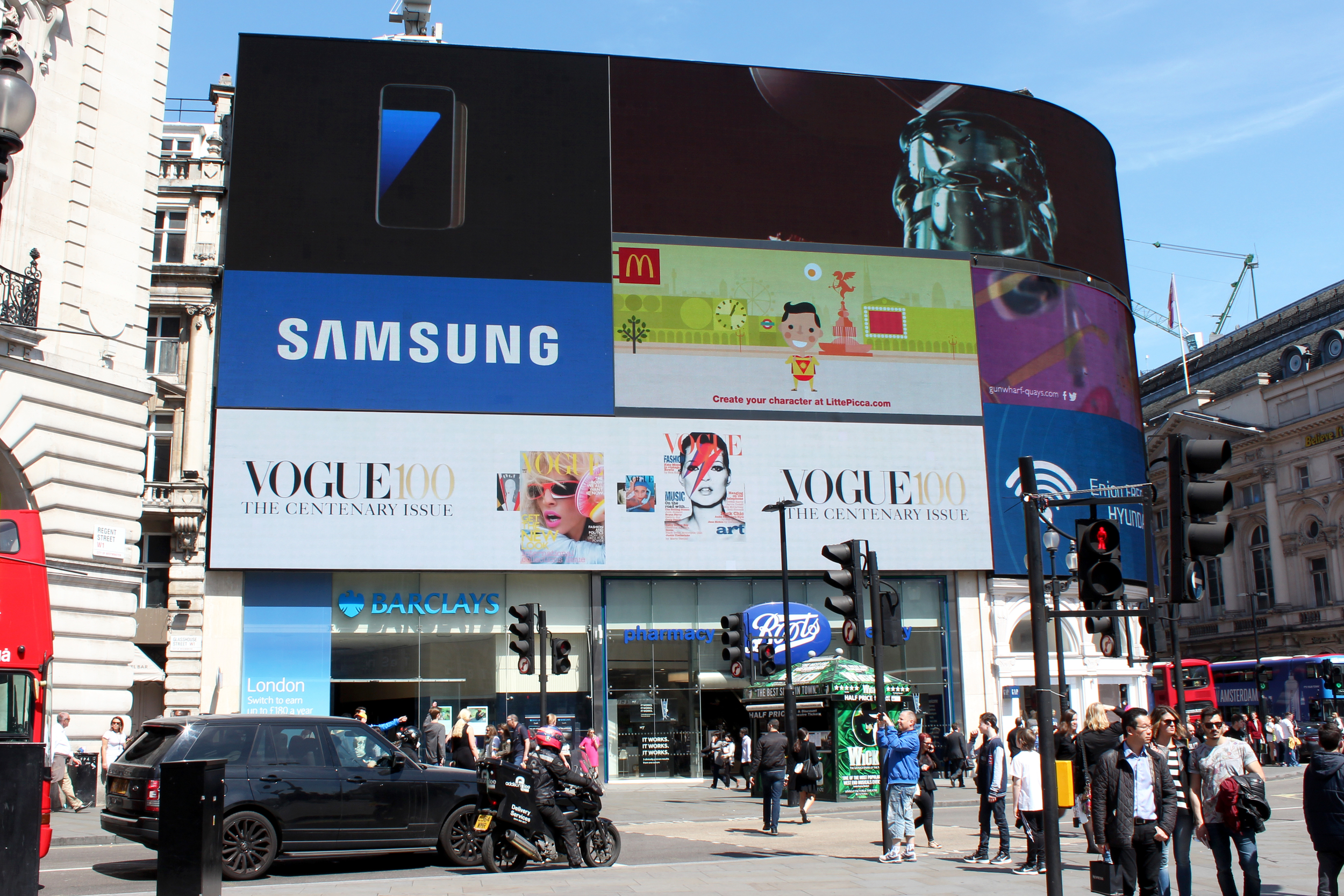 British Vogue - The Centenary Issue, Piccadilly Circus