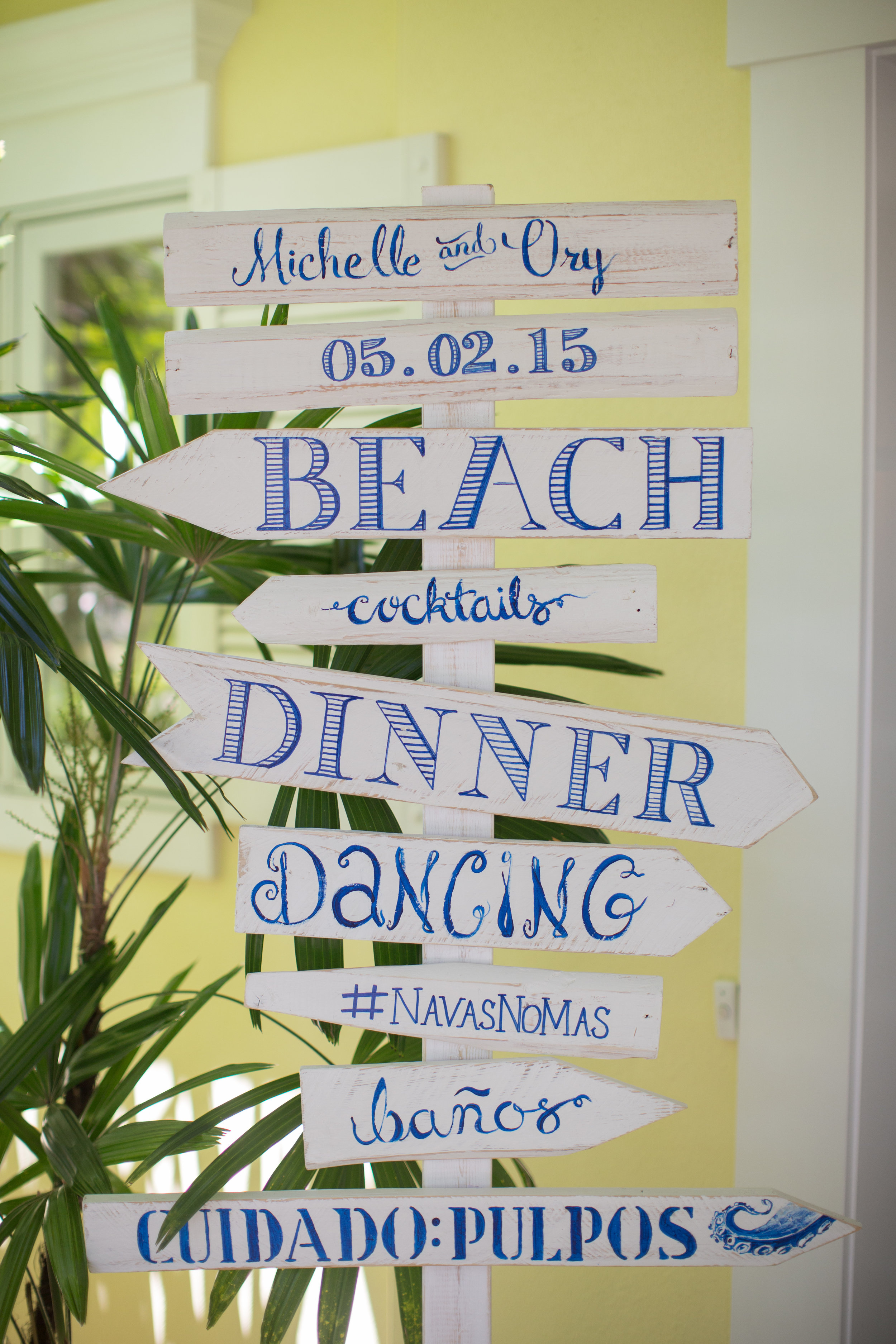 When our guests arrived to  reception , they were greeted by this fun vintage beach sign. Lettered by me and built/painted by Ory.