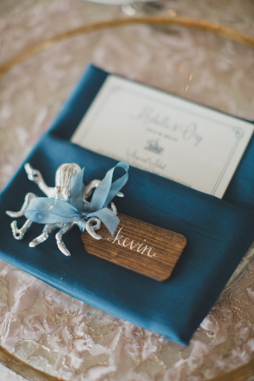 octopus+place+cards+with+modern+calligraphy.jpg