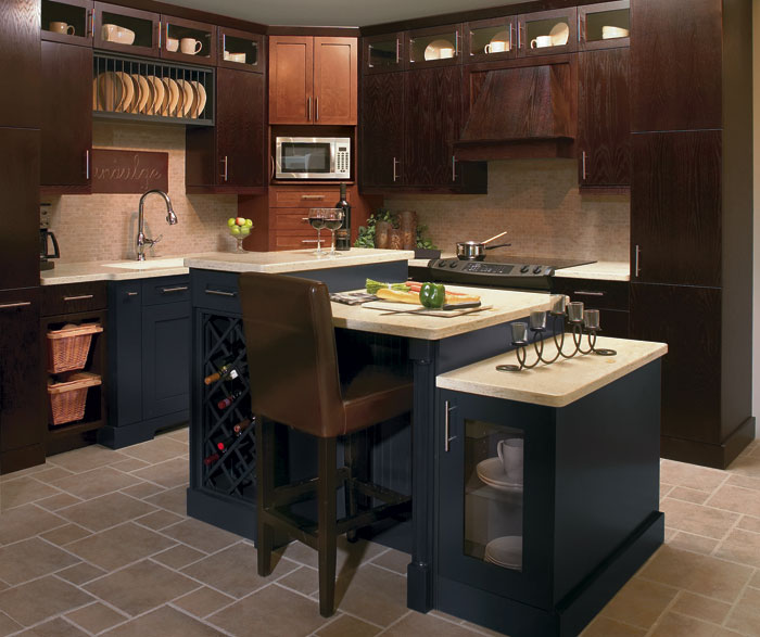 oak_kitchen_cabinets_with_blue_accents.jpg