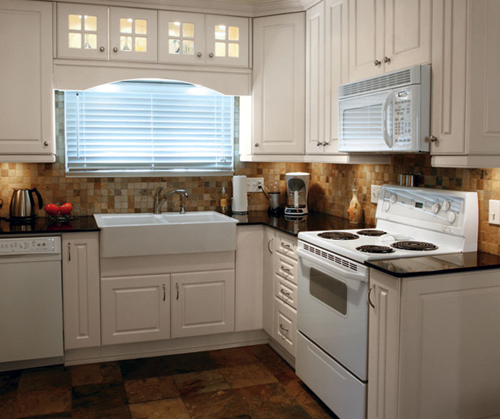 thermofoil_kitchen_cabinets_in_antique.jpg