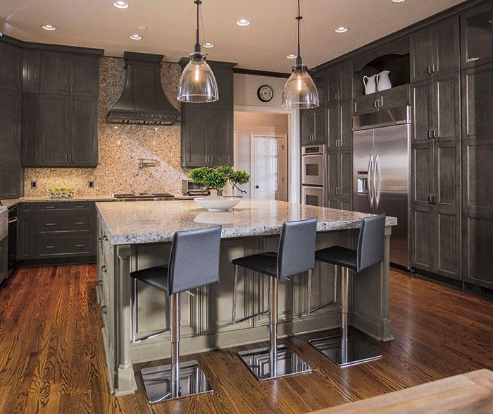 casual_grey_kitchen_cabinets.jpg