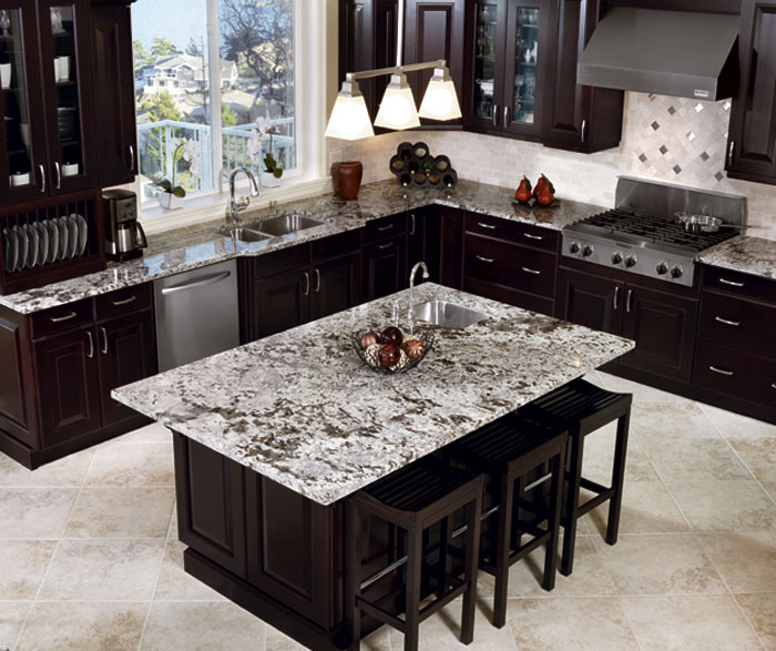 traditional_espresso_kitchen_cabinets_2.jpg