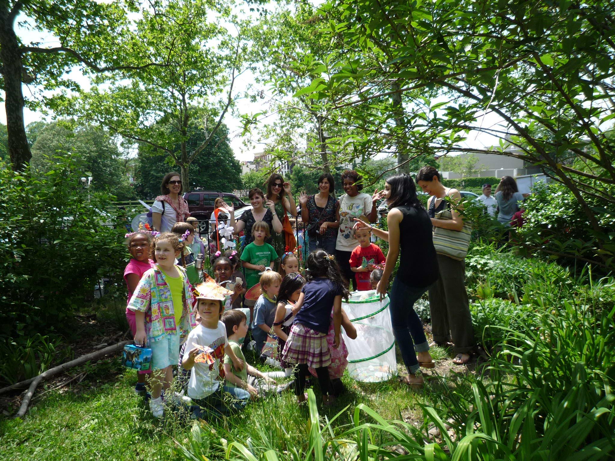 BG-Children-gathering-14.jpg