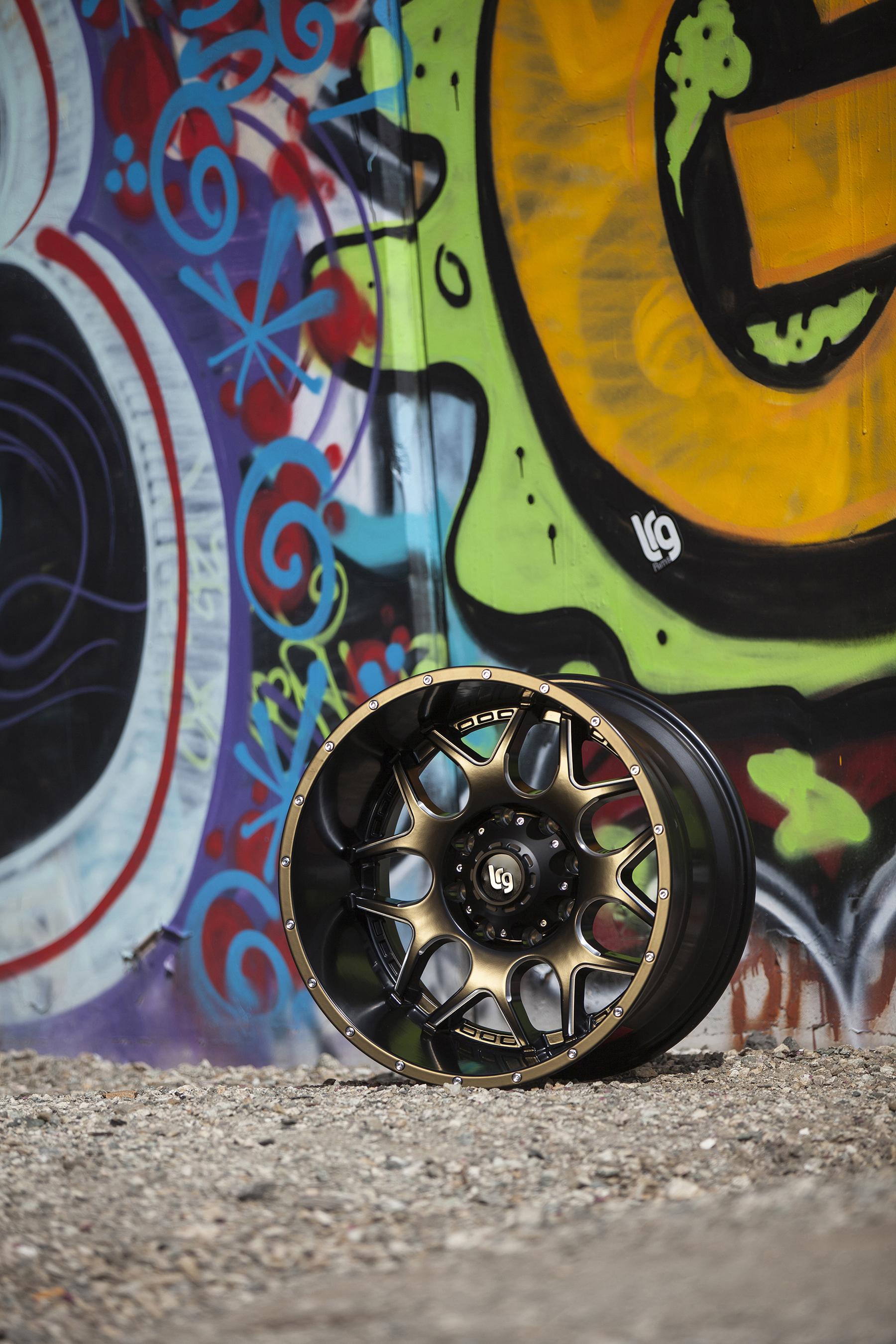 LRG_Splits_104_Compton_graffiti.jpg