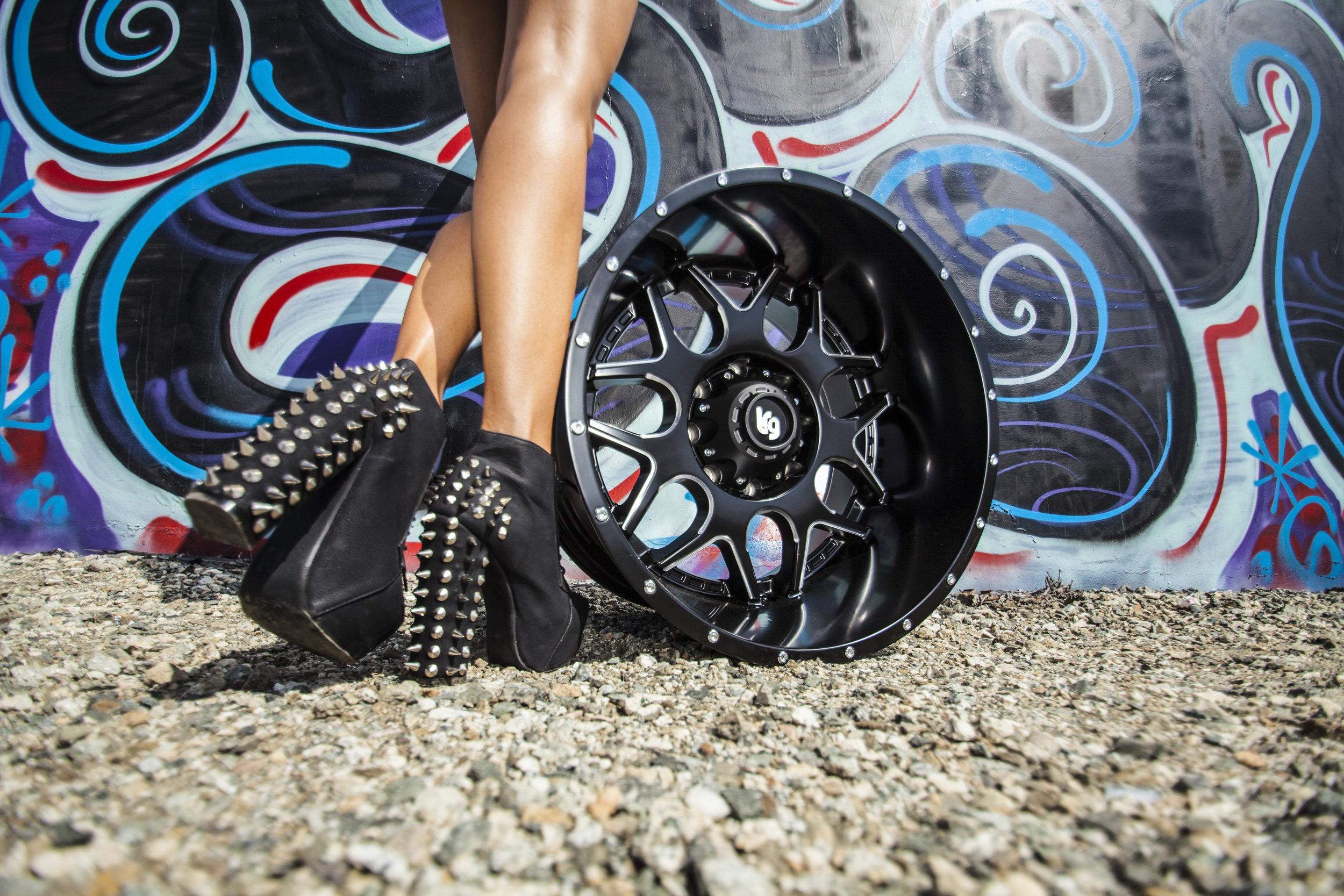LRG_Splits_104_Compton_heels.jpg