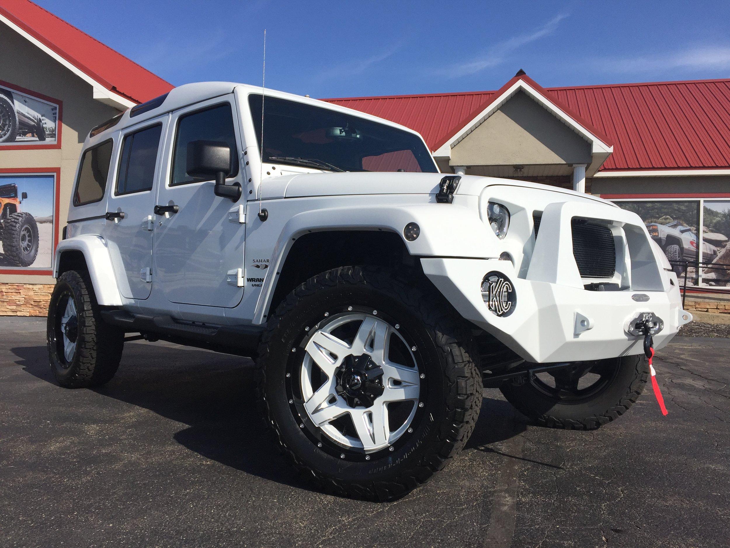 Safari Jeep -* Click to View Build